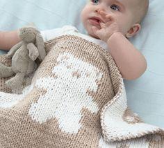 Un univers à tricoter pour les douces nuits de bébé... En jersey et jacquard réversible, ce modèle est tricoté en Modèle tricot n°07 du Catalogue N°108 : Layette, spécial expertes - Printemps/été 2014, blanc et naturel.Modèle tricot n°08 du Catalogue N°108 : Layette, spécial expertes - Printemps/été 2014