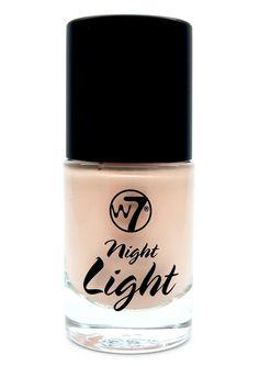 To W7 Night Light Matte Highlighter and Illuminator σας χαρίζει διακριτική λάμψη για το απογευματινό ή το βραδυνό σας μακιγιάζ! Δίνει φυσική, ματ λάμψη στα ζυγωματικά και έμφαση στα χαρακτηριστικά σας. Είναι ιδανικό για την strobing τεχνική ενώ μπορείτε να το αναμείξετε με το foundation σας γι