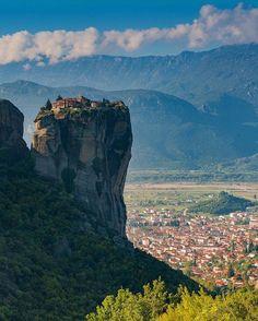 Meteora, Greece by @theplanetd