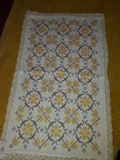 Tapestry Crochet, Bargello, Bed Design, Cross Stitch, Embroidery, Patterns, Floral, Hand Towels, Cross Stitch Embroidery