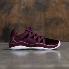 best service 5b79f 1fcd8 Jordan Big Kids Girls  Deca Fly Heiress Collection (GS) (night maroon    metallic gold-white)