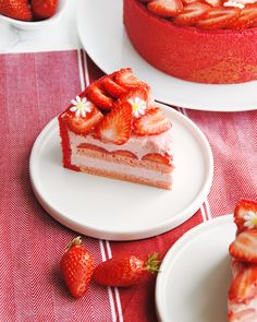 Charlotte aux fraises – Les Dégustations Dangereuses Charlotte Dessert, Felt Cake, Vegan Dessert Recipes, Pastry Cake, But First Coffee, Chocolate Cheesecake, Cake Shop, Sweet Recipes, Food And Drink