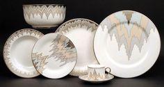 Chevron Pattern Background, Chevron Patterns, Service Assiette, White Soup, White Dinner Plates, Kelly Wearstler, China Sets, White Porcelain, Dinnerware