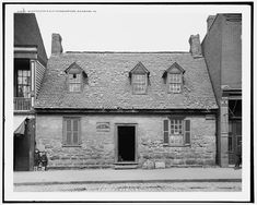 Once Washington's headquarters, now the Poe Museum and the oldest house standing in Richmond built in (Old Stone House) Old Stone Houses, Old Houses, Virginia Is For Lovers, Virginia Homes, American Revolutionary War, Richmond Virginia, Old Photos, Vintage Photos, Historic Homes
