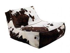 Lässiger Loungesessel und Chaiselongue mit Dakota Kuhfellbezug