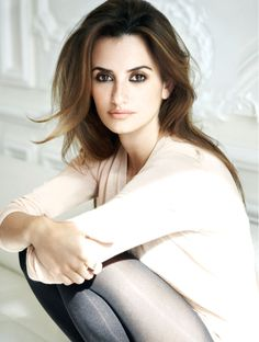 Penelope Cruz, Tresor-Lancome   I love the makeup and the highlights on her hair