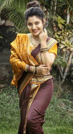 Attractive Saree Image Gallery of Indian Women Beautiful Girl In India, Beautiful Girl Photo, Beautiful Saree, Beautiful Asian Girls, Most Beautiful Women, Beautiful Bollywood Actress, Most Beautiful Indian Actress, Beauty Full Girl, Beauty Women