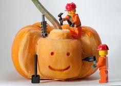 Lego Pumpkin - where to pin it! Halloween or Lego? Spooky Halloween, Holidays Halloween, Halloween Pumpkins, Halloween Crafts, Halloween Decorations, Happy Halloween, Funny Pumpkins, Halloween Science, Halloween Clothes