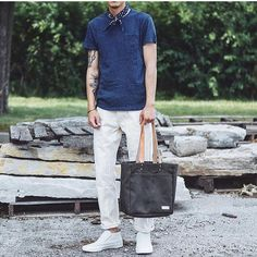 Drew is already putting miles on his Franklin Tote. Now available online in 3 heavyweight brushed twills. @everydaydrew