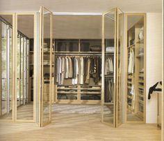 Vestidor de Carré con puertas de cristal transparente, adaptado a la medida de cada cliente