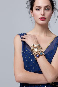 okay tons of bangles, heck yes, but the hair.there's pretty messy and ugly messy. Blue Bracelets, Beaded Bracelets, Fashion Outfits, Womens Fashion, Pretty Outfits, Fashion Beauty, Anthropologie, Fashion Accessories, Ink Blue