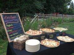 19 Fun Ways To Organize A Pizza Food Bar At Your Wedding - Amber & Steven - Hochzeit Pizza Wedding, Food Truck Wedding, Wedding Reception Food, Brunch Wedding, Wedding Ideas, Wedding Planning, Trendy Wedding, Wedding Advice, Wedding Fun