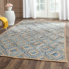 Gilchrist Traditional Hand-Woven Natural/Blue Area Rug