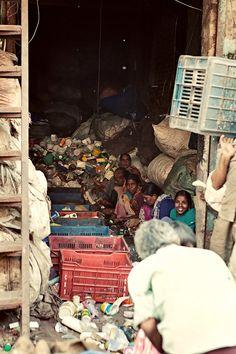 Sort garbage all day long - Mumbai