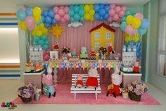 montar fiesta de peppa pig Peppa Pig Happy Birthday, Peppa Pig Birthday Invitations, Birthday Party Decorations Diy, 3rd Birthday Parties, Pig Party, Baby Party, Invitacion Peppa Pig, Fiestas Peppa Pig, Peppa Pig Balloons