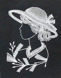 Mujer con sombrero Crochet Diagram, Free Crochet, Crochet Patterns, Romanian Lace, Lace Art, Lacemaking, Parchment Craft, Point Lace, Lace Jewelry