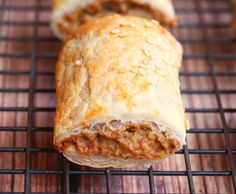 These vegetarian sausage rolls taste so good, no one will miss the meat! Thermomix Sausage Rolls, Vegetarian Recipes Easy, Veg Recipes, Slow Cooker Sweet Potatoes, Vegan Potato Salads, Sweet Potato Chili, Food To Make, Making Food, Good Foods For Diabetics