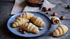 Nutellové mini croissanty z lístkového cesta Croissant, Nutella, Baked Potato, Sausage, Cheese, Meat, Baking, Ethnic Recipes, Food