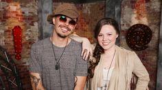 El dueto mexicano Jesse & Joy recibió Disco de Oro, por la venta de más de 20 mil copias en Chile de su producción 'Un besito más'. Entérate en café y cabaret.