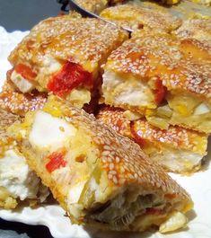 """Η Συνταγή είναι από κ.  Tzeni Tsanaktsidou  – """"ΑΓΑΠΑΜΕ ΜΑΓΕΙΡΙΚΗ!!!!! ΑΓΑΠΑΜΕ ΖΑΧΑΡΟΠΛΑΣΤΙΚΗ!!!!!!"""".    ΥΛΙΚΑ ΧΥΛΟΥ:  2 αυγα,1 ασπραδι αυγου,1 ποτηρι γαλα φρεσκο,1 ποτηρι γιαουρτι στραγγιστο,1,5 μιση ποτηρι αλευρι φαριναπ,λιγο αλατι    ΕΚΤΕΛΕΣΗ:  Βαζουμε στο μπολ τα αυγα-γαλα-γιαουρτι και ανακατευουμε Cookbook Recipes, Cooking Recipes, Greek Recipes, Lasagna, French Toast, Sandwiches, Food And Drink, Sweets, Baking"""