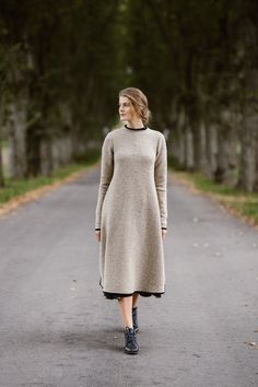 A wool sweater dress is a unique and elegant garment, easy to wear over a dress or a skirt. Ethically produced of high-quality Italian wool. Winter Sweaters, Long Sweaters, Sweaters For Women, Winter Sweater Dresses, Dress Winter, Warm Coat, Wool Dress, Pulls, Beige