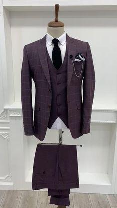 Tan Suit Men, Dress Suits For Men, Classy Suits, Classy Men, Men's Business Outfits, Business Suits Men, Mens Fashion Suits, Mens Suits, Burgundy Suit