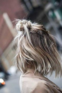 Simple Short Hairstyles for Pretty Women There are several haircuts black women can try out. We have brought Simple Short Hairstyles for Pretty Women which are very easy to maintain as well. Short Straight Hair, Short Wavy, Short Hair Cuts, Long Bob, Short Hair Updo, Curly Hair Styles, Hairstyles With Bangs, Easy Hairstyles, Straight Hairstyles