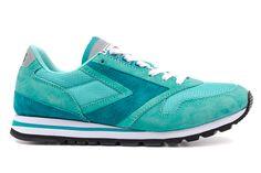 #BROOKSCHARIOT WMNS COLLECTION | Sneaker Freaker #sneakers