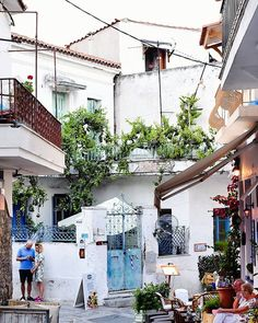 The streets of Skiathos.#ig_greece #go_greece_travel