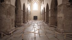 Swiss installation artist Zimoun has unveiled a new site-specific installation based on 150 prepared dc-motors, wood, string wire and hosted inside a beautiful old church in Klangraum Krems, Austria. Sound Installation, Interactive Installation, Artistic Installation, French Cathedrals, Sound Sculpture, Sound Art, Kinetic Art, Seesaw, Museum Exhibition