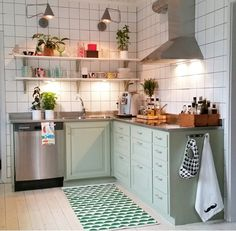 Small but beautiful kitchen, pastel colours are lovely