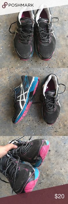 Asics Good condition. Need to be washed Asics Shoes Sneakers