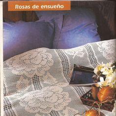 Patrón Rosas de ensueño a crochet. Manta Crochet, Ruffle Blouse, Women, Fashion, Pinterest Board, Bed Covers, Roses, Tutorials, Crocheting