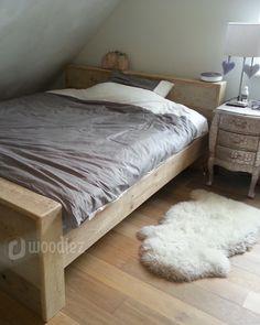 WOODIEZ | Robuust steigerhouten bed om heerlijk in te slapen. Inspiratie voor je slaapkamer!  #wooninspiratie #bed #slaapkamer #steigerhout