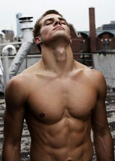Dave Franco... mother of God...