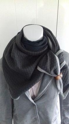 Driehoek sjaal  donker grijs/ zwart