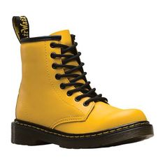 Doc Martens - What are they and how do you wear them? Doc Martens Outfit, White Doc Martens, Doc Martens Style, Doc Martens Boots, Grunge Style, Soft Grunge, Galaxy Converse, Doc Martins, Leather Ankle Boots