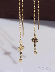 Key earrings Key threader earrings Key charm gift for her Dainty Earrings, Chain Earrings, Cute Earrings, Gold Earrings, Gold Necklace, Thread Chains, Cute Jewelry, Unique Jewelry, Padlock Necklace