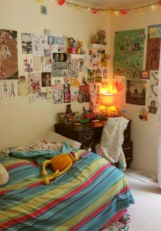 "mebuu: "" What does your room look like? My New Room, My Room, Retro Bedrooms, Chill Room, Retro Room, Room Ideas Bedroom, Bedroom Inspo, Indie Bedroom Decor, Bedroom Rustic"