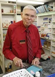 """Penzionisani farmaceut priznao šokantnu istinu: """"Svijet treba znati, ovaj recept ubija RAK""""! – Narodni Recepti"""