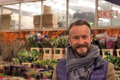 simon lycett | Simon Lycett at New Covent Garden Flower Market - April 2014
