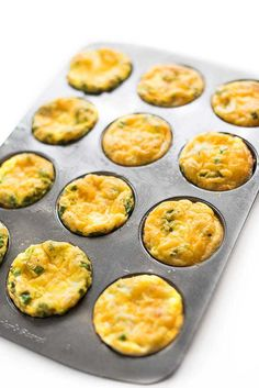 Ham and cheese baked egg cups are the ideal, protein-packed breakfast that can be made ahead in a muffin tin and quickly reheated on busy weekday mornings. Breakfast Bake, Breakfast Bowls, Healthy Breakfast Recipes, Healthy Eating, Protein Packed Breakfast, Breakfast Sandwiches, Healthy Breakfasts, Breakfast Ideas, Healthy Food
