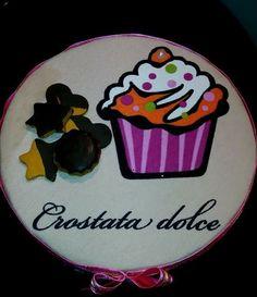 Caixa decorativa em tecido e peças em biscuit