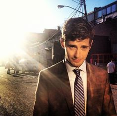 Julian Morris - Oh that accent is so sexy! He is so gorgeous at Pretty Little Liar and at Once Upon a Time, it is illegal! only reason why i will be watching Once Upon A Time! Julian Morris, Oliver Jackson Cohen, Vanessa Redgrave, British Boys, British Actors, Hello Gorgeous, Beautiful Men, Beautiful Things, Beautiful People