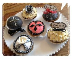 Gothic Halloween Cupakes