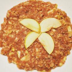 Haferflocken und KleienBrei mit Apfel und Birkenzucker gesüßt😋 #apfel #foodpics #🔝 #eatallday #haferflocken #weizenkleie #brei #foodporn #300kcal #fooblogger #zimt #alpro #instafood #selbstgemacht #iifym #allmacros #foodblogger #lifesum #afterworkout #essen #healthyfood #gesundesfrühstück #breakfast #healthy #frühstück #haferbrei #🍴 #rupp Yummery - best recipes. Follow Us! #foodporn
