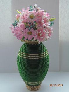 Яйцо Ваза с цветами (по МК Ларисы)   biser.info - всё о бисере и бисерном творчестве