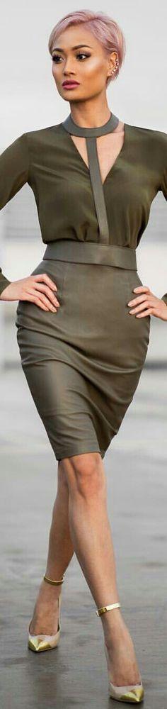 •(★)• Pantone Color, Pantone Green, Pantone 2015, Style Vert, Pink Peacoat, Moda Boho, Cool Outfits, Fashion Outfits, Olive Green Color