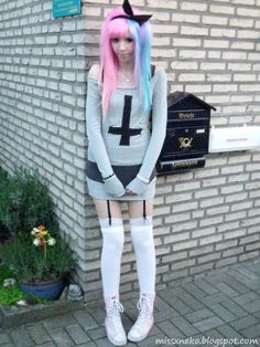 Pure Punk Outfit-would totally rock it! Grunge Goth, Soft Grunge, Pastel Grunge, Pastel Punk, Pastel Goth Fashion, Kawaii Fashion, Gothic Fashion, Visual Kei, Colorful Hair