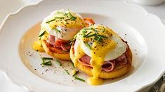 How to make Eggs Benedict. Eggs Benedict is a quick and tasty breakfast. Everyone should try it, if you're a lover of Benedicts! Breakfast Dishes, Best Breakfast, Breakfast Recipes, Breakfast Ideas, Breakfast Crowd, Breakfast Time, Egg Recipes, Brunch Recipes, Cooking Recipes